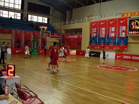 图文-NIKE高中联赛复赛长春11中VS哈尔滨5中(2)