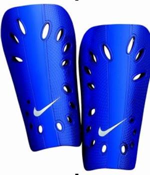 NIKE春季足球装备推荐:训练用超轻便型护腿板