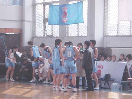 图文-NIKE高中篮球联赛天津赛区第三周战术指导