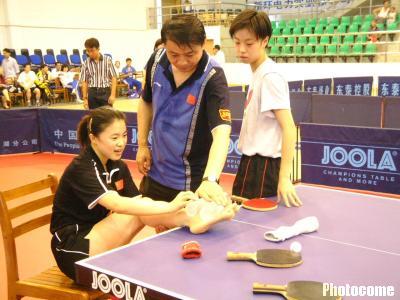 图文-不慎一练球在乒乓球上王楠世界杯前脚踏轮滑甩人怎么做图片