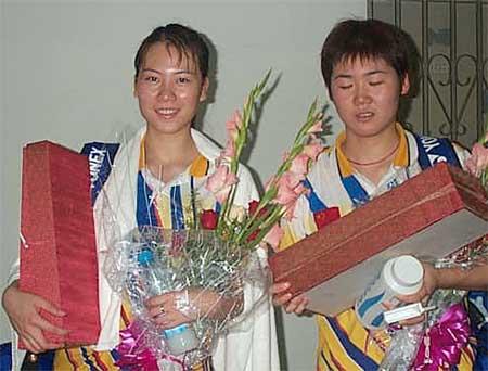 张洁雯 魏轶力夺得宁波羽毛球赛女双冠军