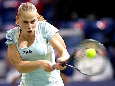 瑞士网球公开赛 小将多克奇尽显女性魅力