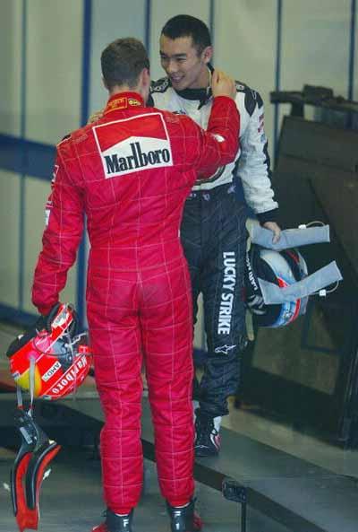 图片-F1日本大奖赛舒马赫与佐藤相逢一笑泯恩风筝的天空高清图文图片