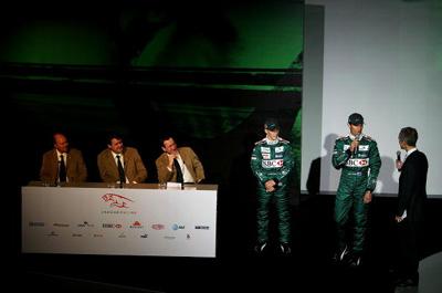 新浪体育讯 巴塞罗那1月18日消息,F1美洲虎车队今天在西...