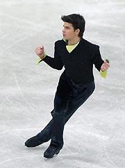 花样滑男单短节目:冰王子重重摔冰李成江列第六
