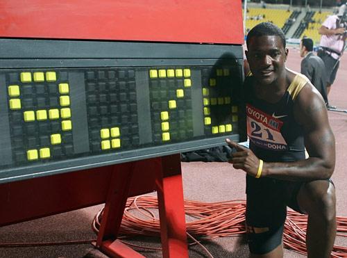 加特林扬威卡塔尔田径赛9秒76刷新百米世界纪录