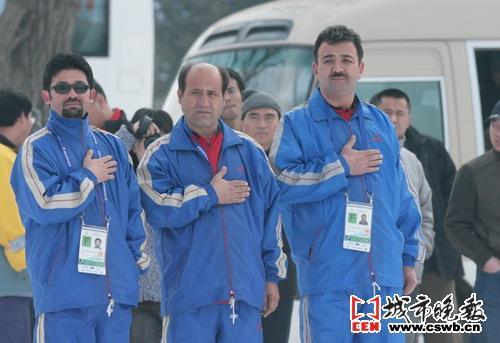 阿富汗代表团到达赛区4人完成庄重升旗仪式(图)