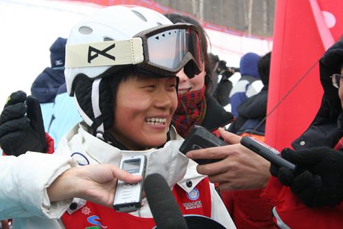 刘佳宇满意单板滑雪摘铜日本教练警惕将成巨大威胁