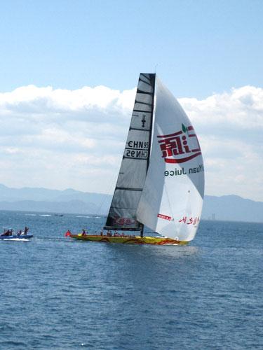 美洲杯帆船赛中国之队再遭连败美国队胜出榜首战