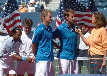 美网男双决赛冠军产生夺冠者接受采访