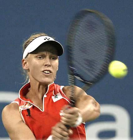 美网公开赛女单决赛德门蒂耶娃欲迎来球