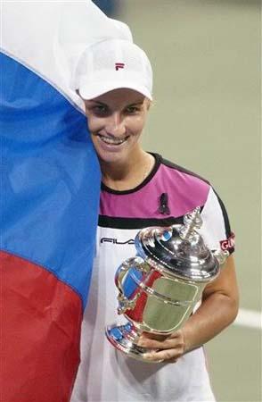 美网公开赛女单决赛俄罗斯骄傲库兹涅佐娃