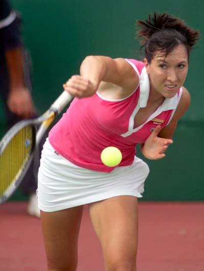 图文-WTA广州公开赛塞黑选手扬科维奇实力不俗