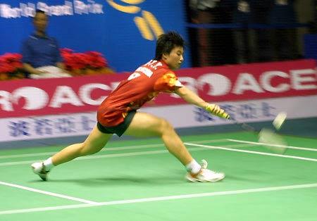 图文-中国羽毛球公开赛预选赛中国台北黄嘉欣救球