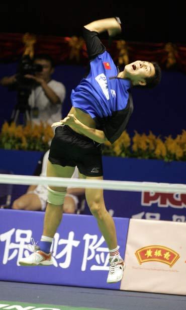 图文-中国羽毛球公开赛男单首日李熠高接低挡