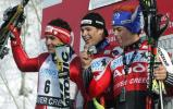 图文-美国男子高山滑雪世界杯前三名领奖台上合影