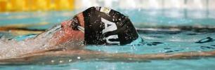 图文-欧洲短池游泳锦标赛斯多斯潜龙出水