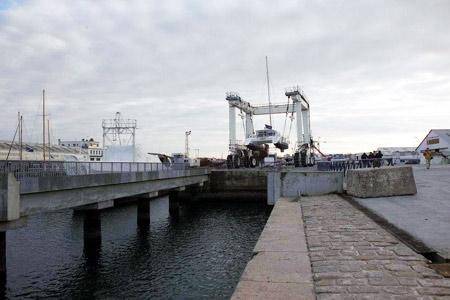 图文-纵横四海远航活动坐舰下水骑士号下水仪式