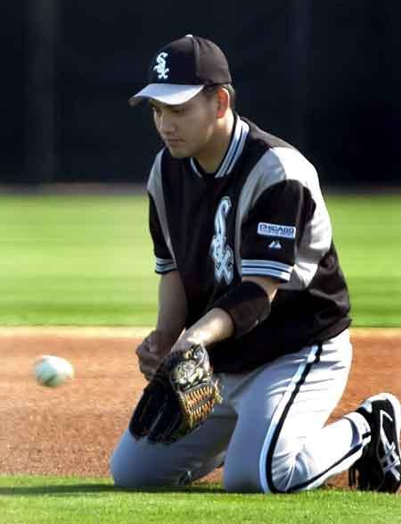 图文-美国职业棒球联盟春训 白袜选手高津臣吾参训