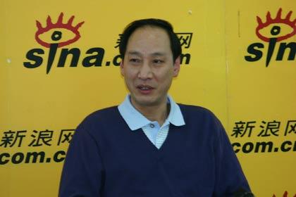 图文-刘翔教练孙海平作客新浪赞许飞人一如既往