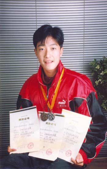 奥运冠军风雨路探访刘翔十六年的成长轨迹(多图)