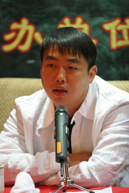 图文-中国乒乓球队亮相无锡刘国梁重担不轻
