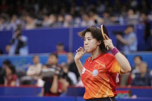 图文-世乒赛女单第三轮激战王楠苦思对敌良策