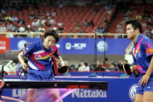图文-世乒赛混双半决赛激战白杨刘国正搭挡晋级