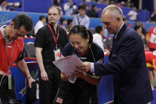 图文-世乒赛女单1/8决赛高军胜利笑签结果表