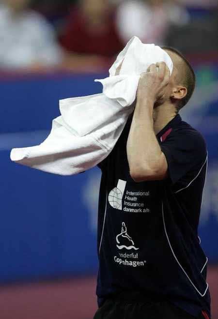 图文-世乒赛男单郝帅负梅兹梅兹不愿真面目见人