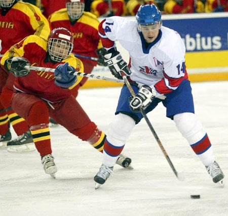 都灵冬奥会项目介绍:冰球--冰雪上最激烈的比赛