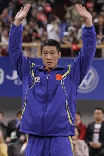 图文-世乒赛男单决赛王励勤夺冠王励勤接受欢呼