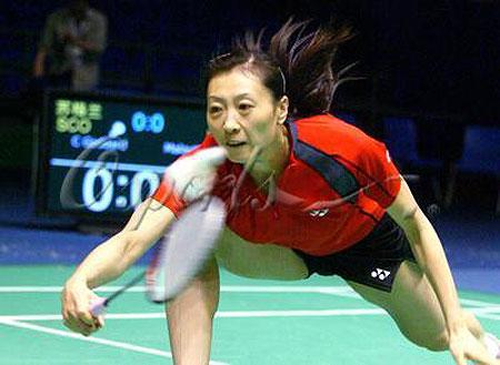 图文-中国队羽毛球队赛前练习张宁大摆一字