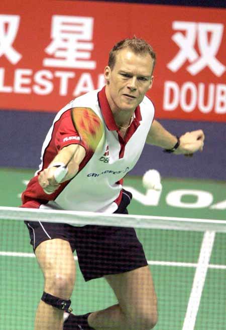 图文-苏迪曼杯羽毛球赛次日丹麦老将轻松回球
