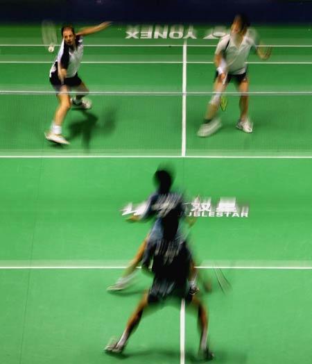 图文-苏迪曼杯马来西亚VS荷兰双方网前激战