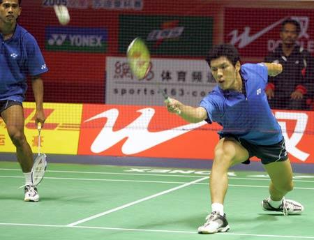 图文-苏迪曼杯第三日激战新加坡男双拍长莫及