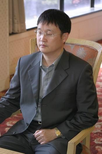 图文-中韩围棋对抗赛第三轮开战刘昌赫闭目养神