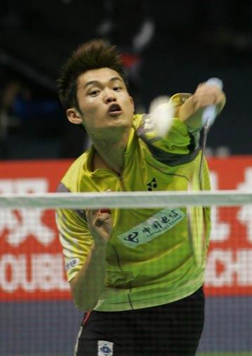 图文-苏杯半决赛中国VS韩国林丹网前反手回球