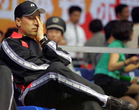 图文-苏杯决赛中国VS印尼比赛进程让李永波紧张