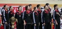 图文-中国击败印尼捧苏迪曼杯升国旗唱国歌