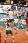 图文-女排大奖赛总决赛中国胜巴西副攻卡罗林高点进攻