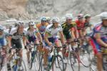 图文-环青海湖赛第八赛段选手开始不顾及形象
