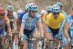 图文-环青海湖赛第八赛段领骑黄衫者被包夹