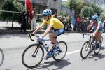 图文-2005环湖自行车赛落幕黄衫王马里斯前进