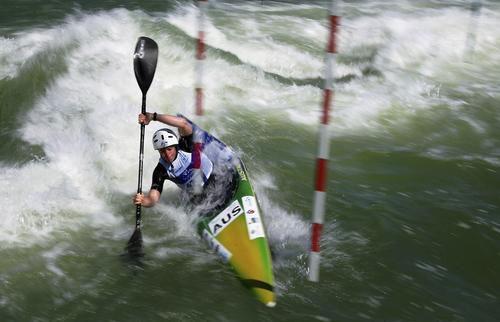 世界-障碍皮划艇锦标赛参赛选手图解体操绕过图文增高图片