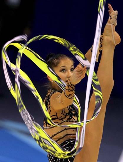 艺术体操世锦赛佩切娃展现炫目绳操丽影
