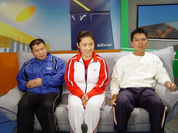 国球大典三评委现身点评 王涛刘伟与江嘉良