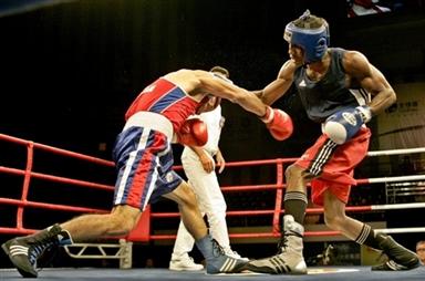 图文-拳击世锦赛第3日60公斤级赫尔南德兹激战沙赫
