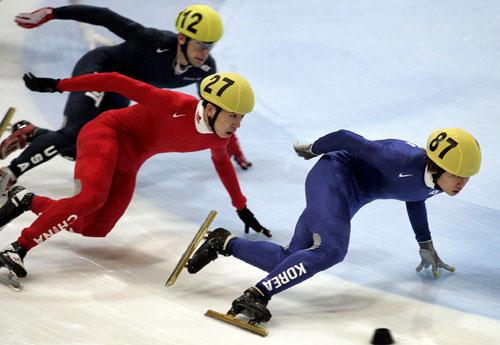 图文-短道速滑世界杯荷兰站韩国安贤洙一路领先