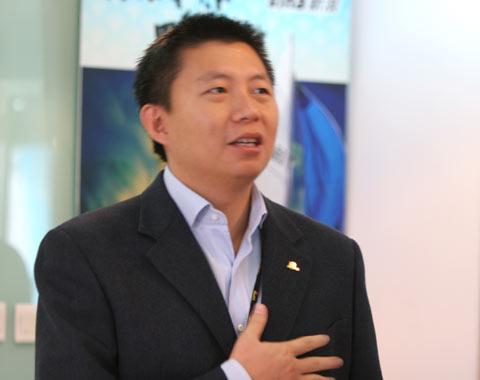 中国帆船首征泰王杯CEO汪延说到动情处